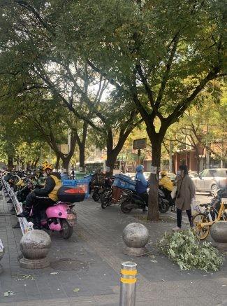 デリバリーバイク駐車イメージ