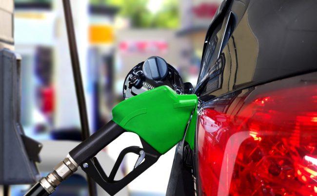 年2兆円のガソリン税は減少見込み