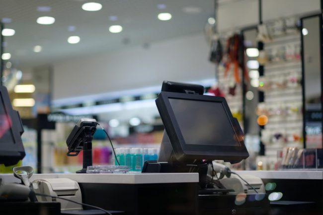 デジタル革新が進まない日本の小売業の背景